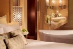 Ritz Carlton Dubai Club Deluxe Room - Bathroom